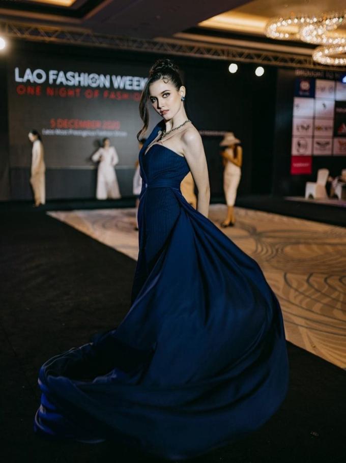 Tân Hoa hậu Hoàn vũ Lào - 4