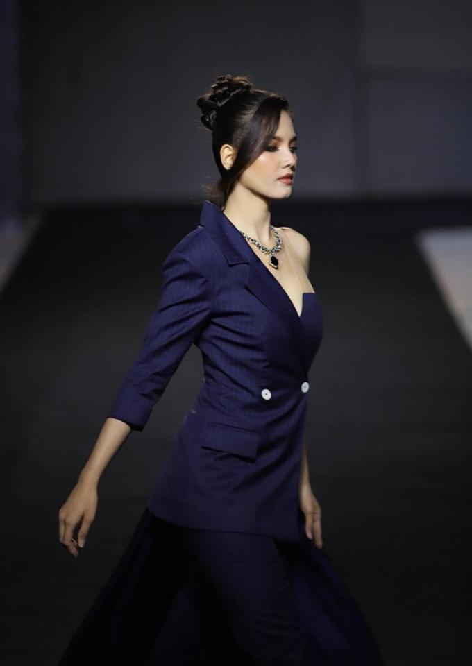 Tân Hoa hậu Hoàn vũ Lào - 3