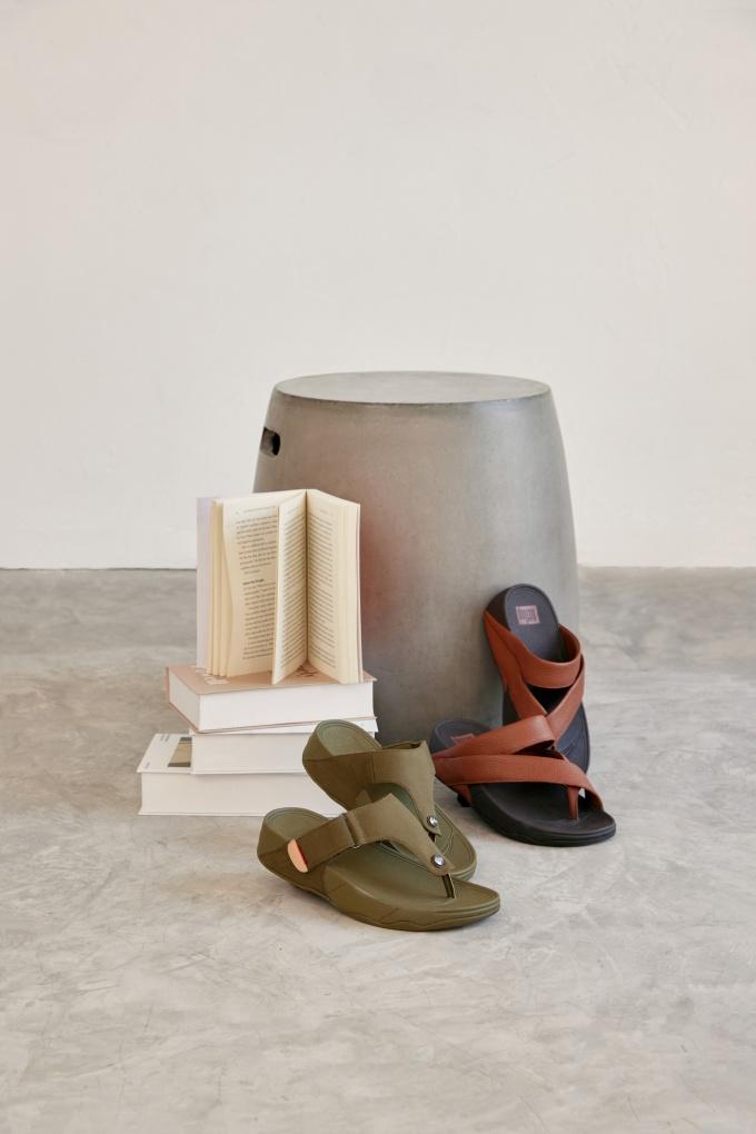 Nếu muốn làm mới tủ quần áo hay chuẩn bị cho chuyến đi dài ngày, một đôi giày phù hợp đóng vai trò quan trọng. FitFlop là gợi ý dành cho tín đồ thời trang hè này.