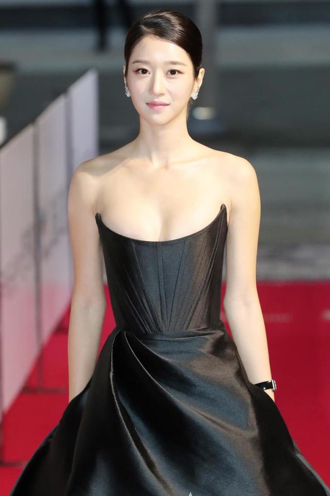 Seo Ye Ji bị nhiều khán giả gọi là điên nữ, như nhân vật của cô trong phim Điên thì có sao. Ảnh: Starnews.