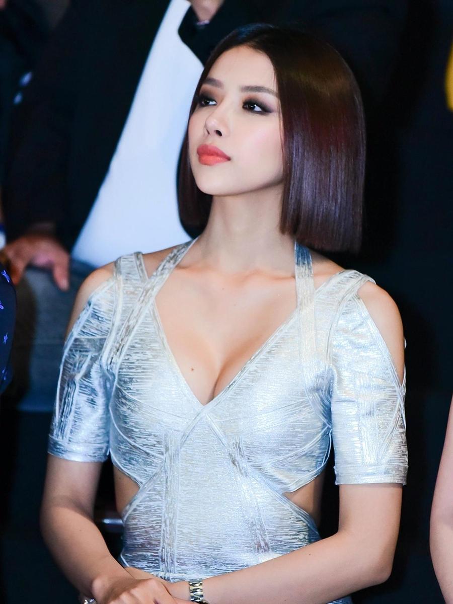 Vợ mới cưới của Phan Mạnh Quỳnh có quá khứ như thế nào?