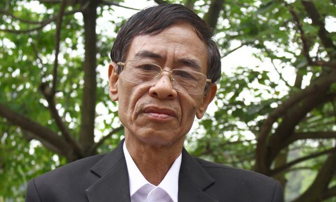 Nhà thơ Hoàng Nhuận Cầm tại buổi gặp mặt truyền thống của cựu sinh viên thủ đô tham gia chiến đấu chống Mỹ, do Thành đoàn, Hội sinh viên Hà Nội tổ chức năm 2015. Ảnh: Hoàng Phương.