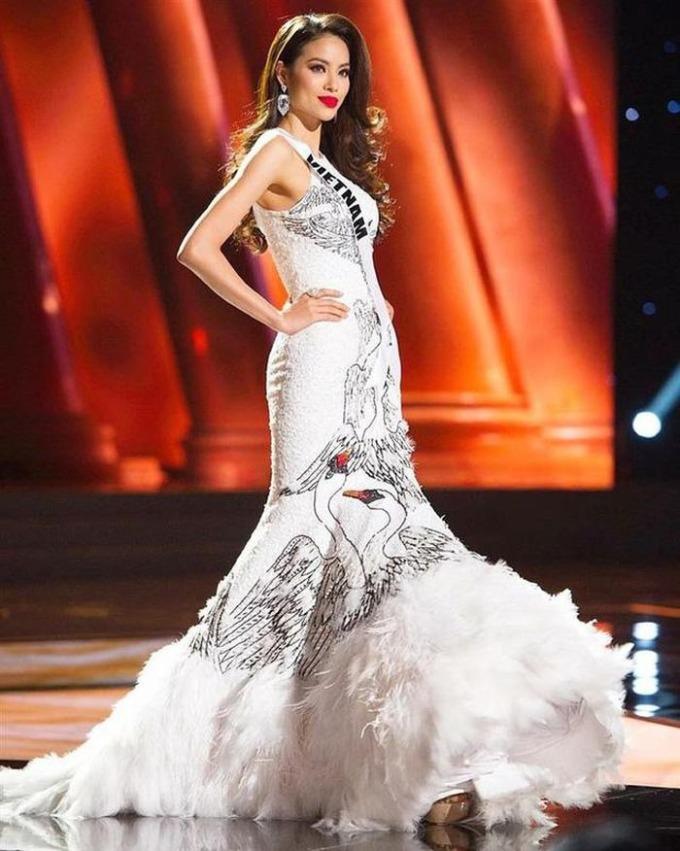 Phạm Hương nhớ những kỷ niệm tại Miss Universe 2015 khi theo dõi hành trình thi của Khánh Vân.