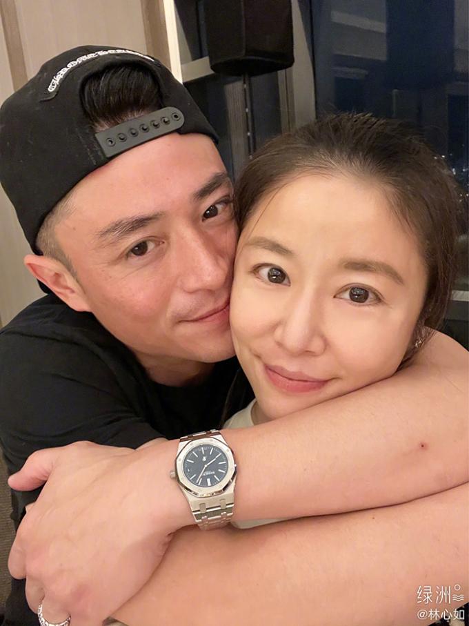 Tâm Như để mặt mộc trong tiệc sinh nhật cô hồi tháng 1. Sina nhận xét hơn chồng - Hoắc Kiến Hoa - ba tuổi, nữ diễn viên tương xứng anh về ngoại hình.