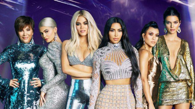 (Từ trái sang) Kris Jenner, Kylie Jenner, Khloé Kardashian, Kim Kardashian, Kourtney Kardashian, Kendall Jenner. Ảnh: Kardashian Kloset.