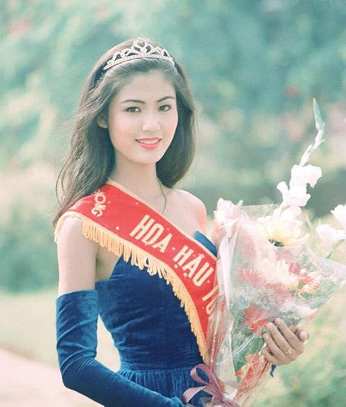 Thu Thủy khi đăng quang Hoa hậu năm 1994. Ảnh: Facebook Nguyen Thu Thuy.