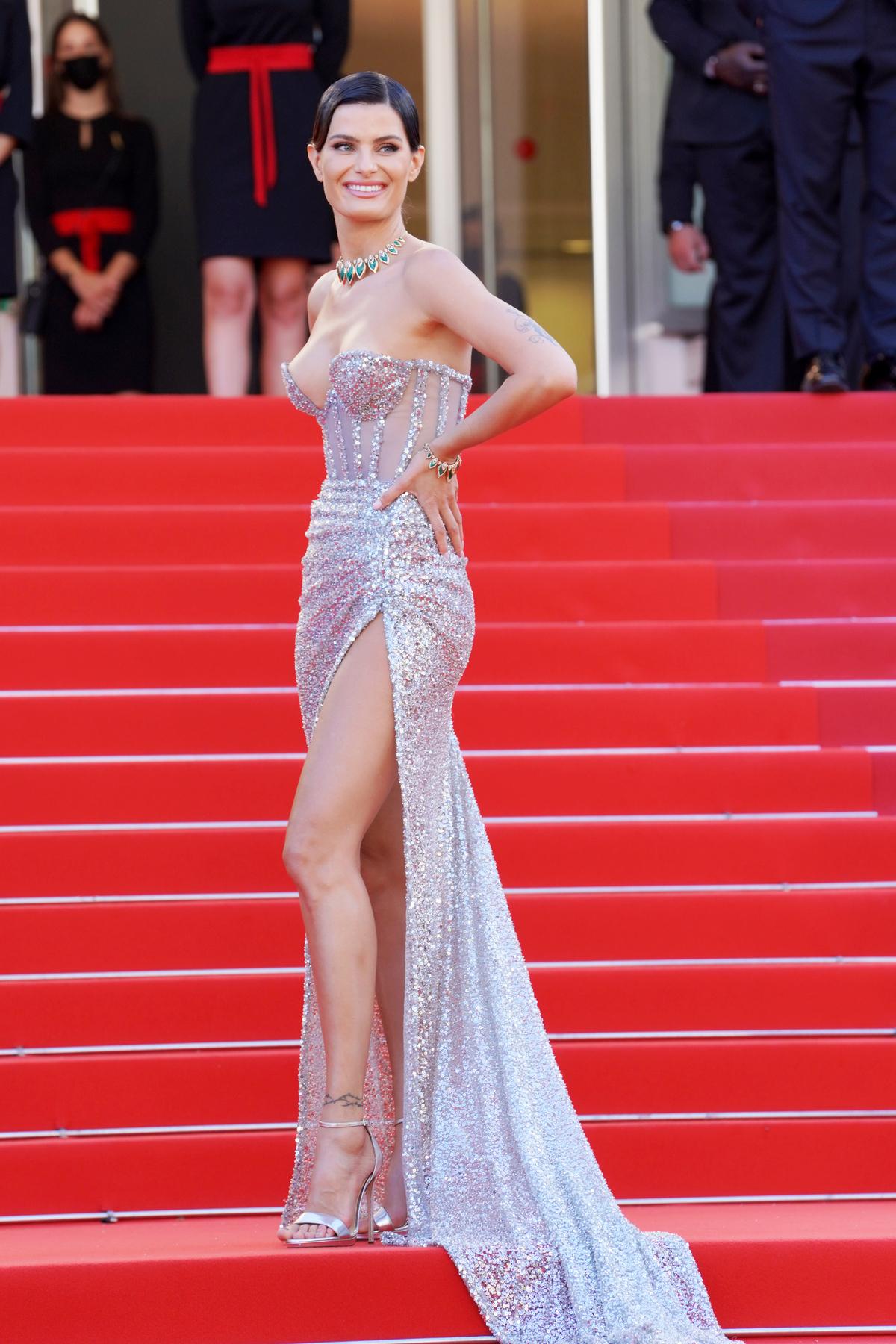 Những bộ đầm ấn tượng ở Cannes 2021 - Ảnh 8
