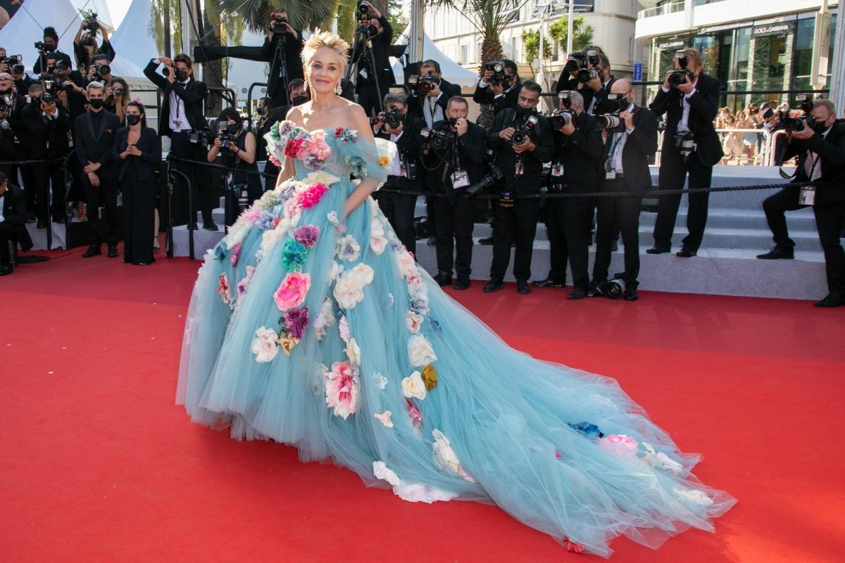Những bộ đầm ấn tượng ở Cannes 2021 - Ảnh 9