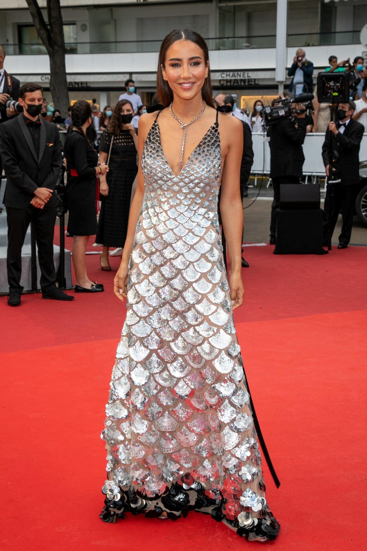 Những bộ đầm ấn tượng ở Cannes 2021 - Ảnh 6