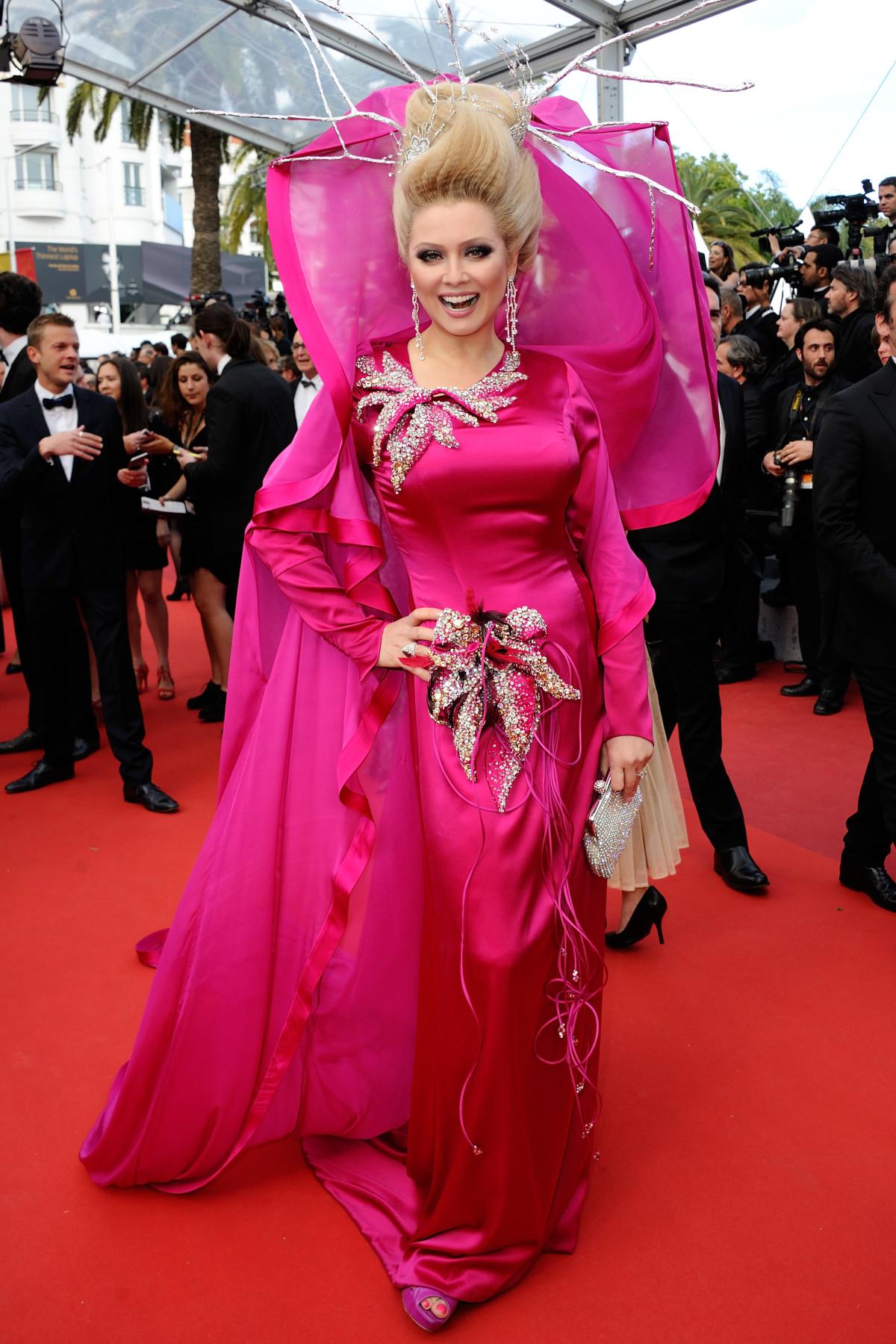 Elena Lenina - 'dị nhân' thảm đỏ Cannes - Ảnh 8