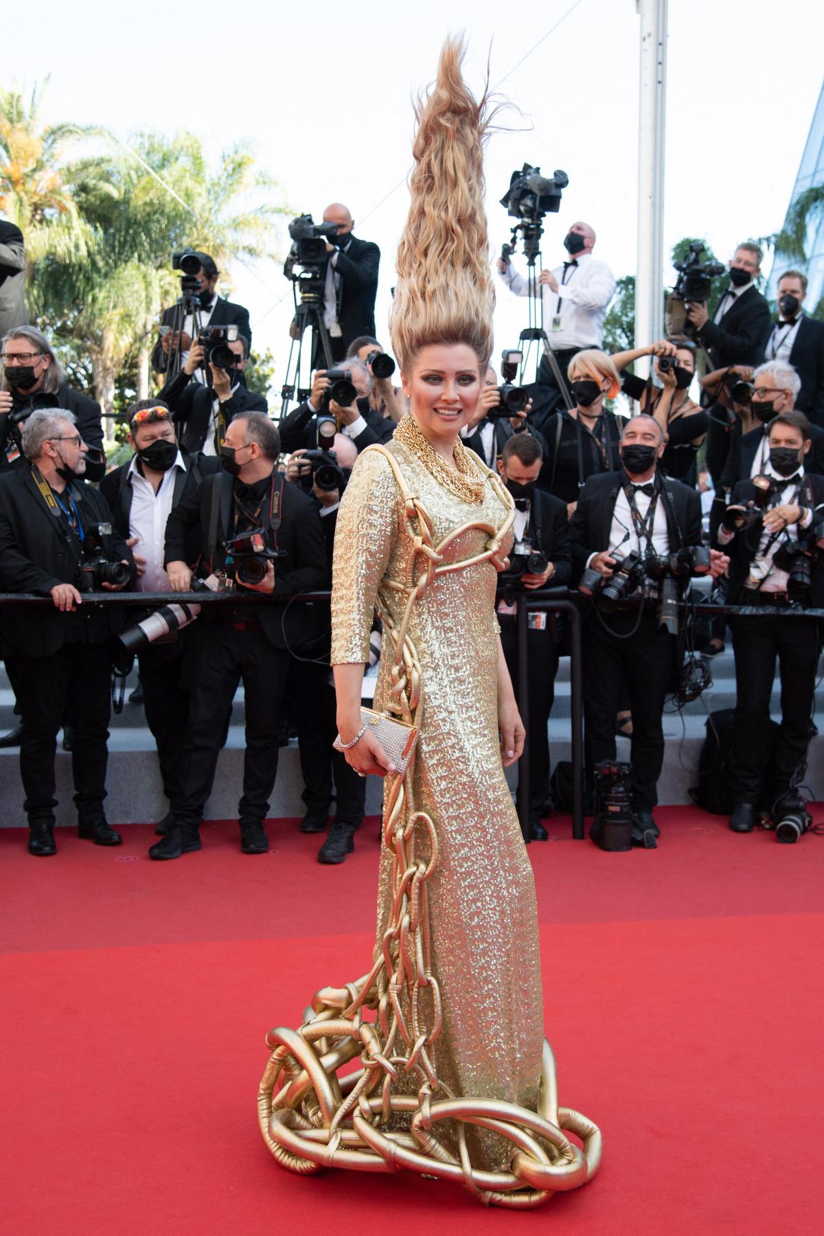 Elena Lenina - 'dị nhân' thảm đỏ Cannes - Ảnh 4