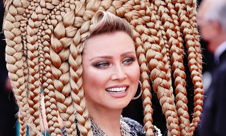 Elena Lenina - 'dị nhân' thảm đỏ Cannes