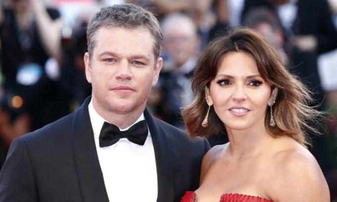 Matt Damon và vợ Luciana Barroso tại Liên hoan phim Venice 2017. Ảnh: AFP.