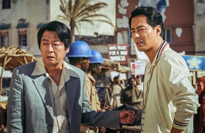 Phim của Jo In Sung tạo cơn sốt phòng vé Hàn