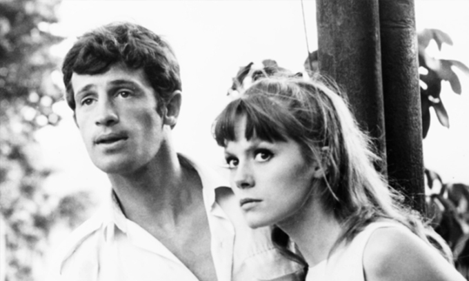 Belmondo (trái) trong That Man From Rio. Ảnh: Everett Collection