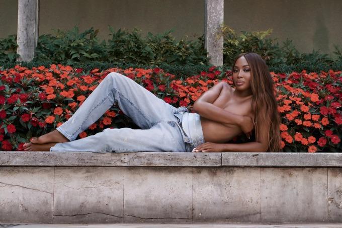Naomi Campbell là gương mặt trong chiến dịch quảng bá của Calvin Klein hợp tác hãng Kith. Ảnh: Kith