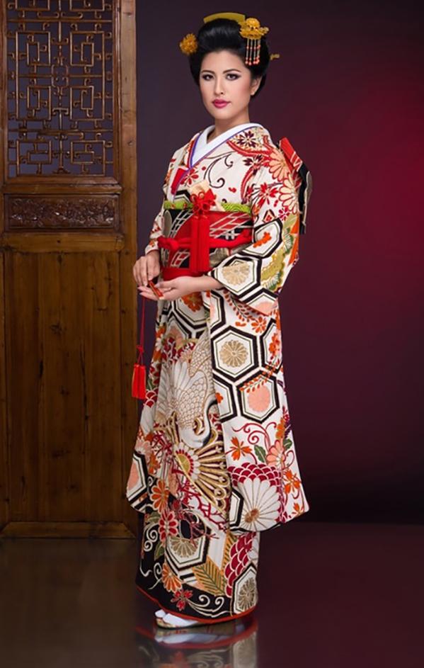 Juri Watanabe trong trang phục truyền thống Nhật Bản. Ảnh: Missosology